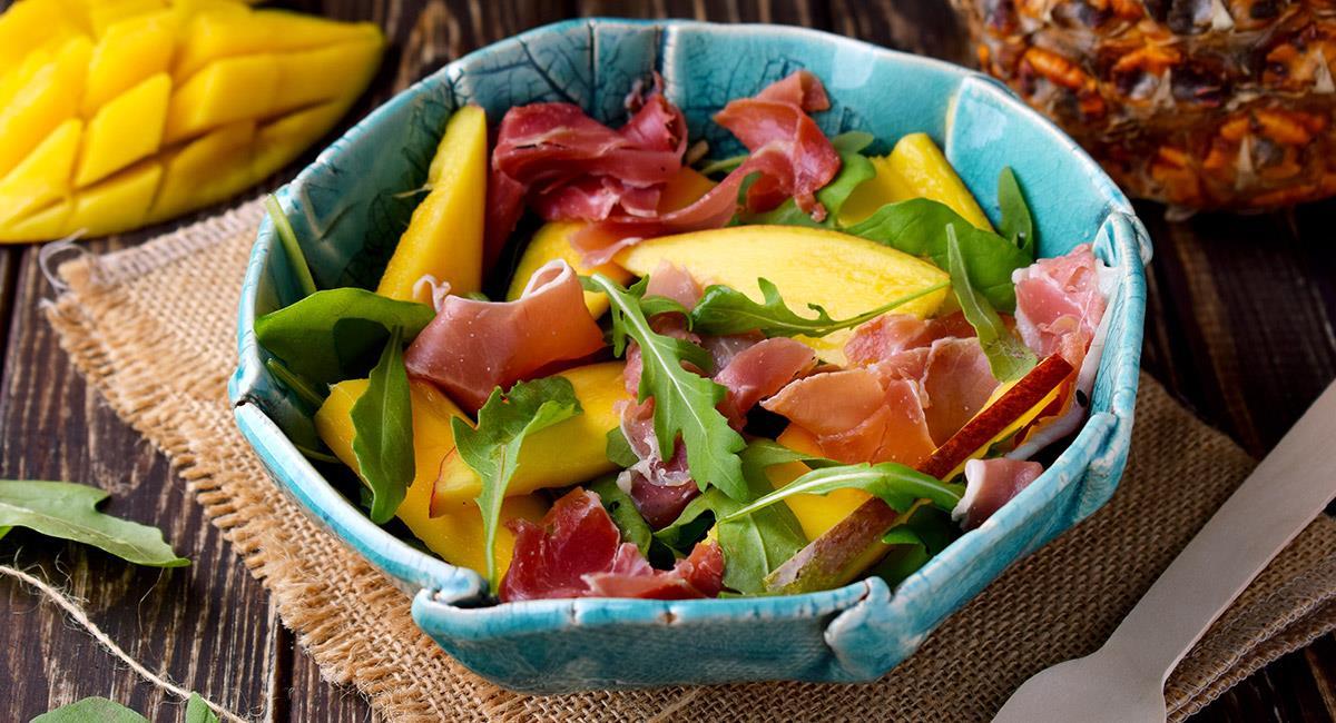 Ensalada de jamón y mango