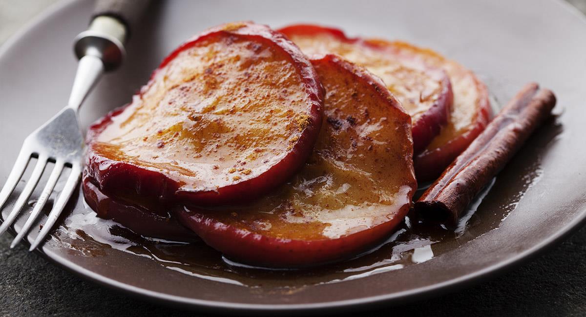 Aros de manzana acaramelados
