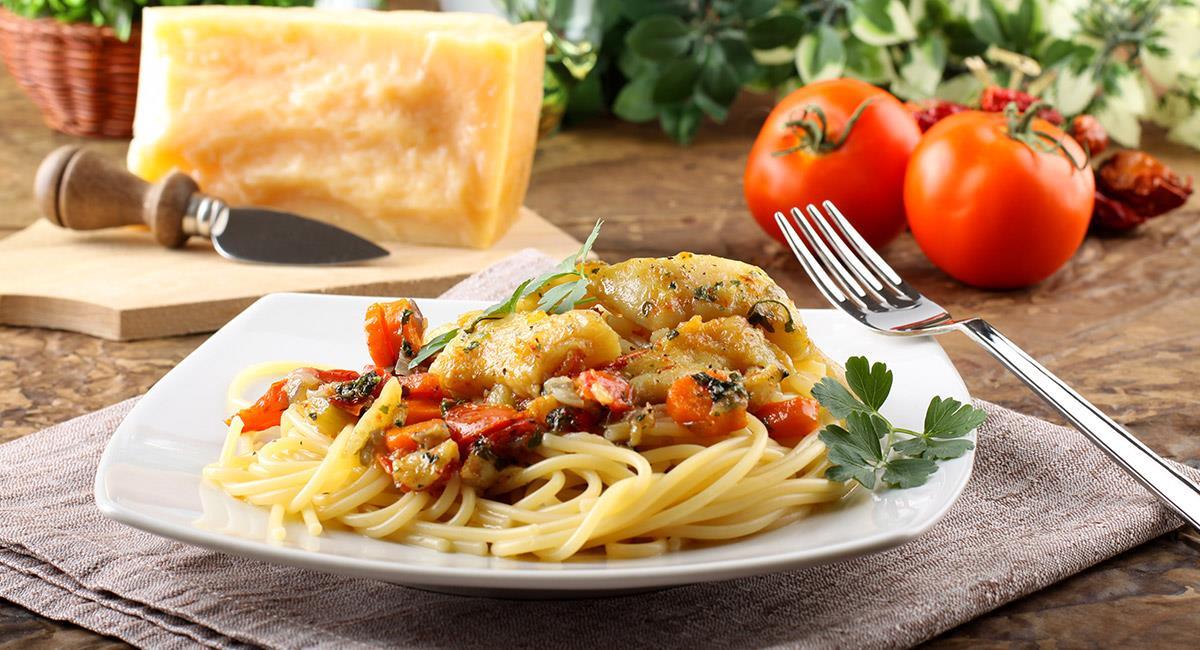 Pescado en salsa de queso parmesano