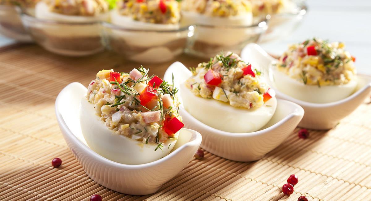 Huevos rellenos de quinua