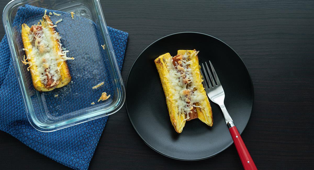 Torta de plátano maduro con bocadillo y queso