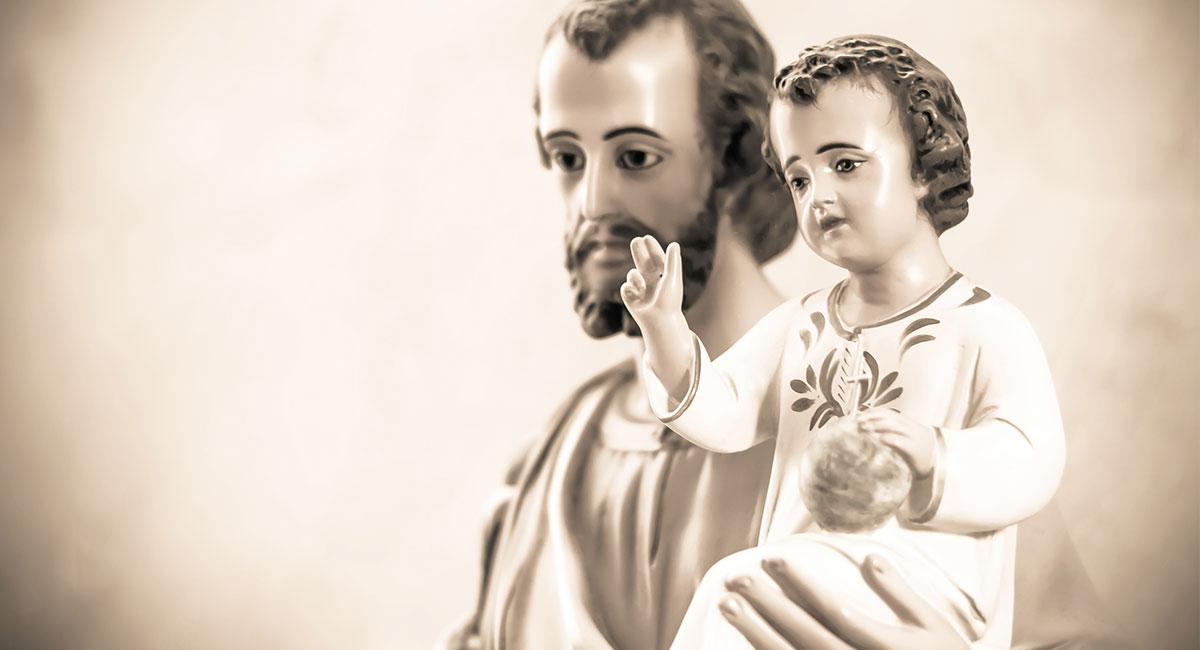 San José y el Niño Jesús - Shutterstock