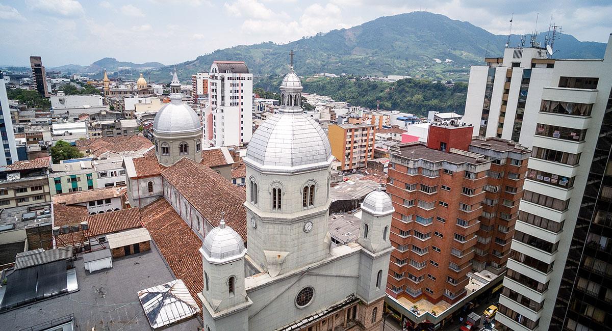 Iglesia Nuestra Señora de la Pobreza en Pereira - ShutterStock