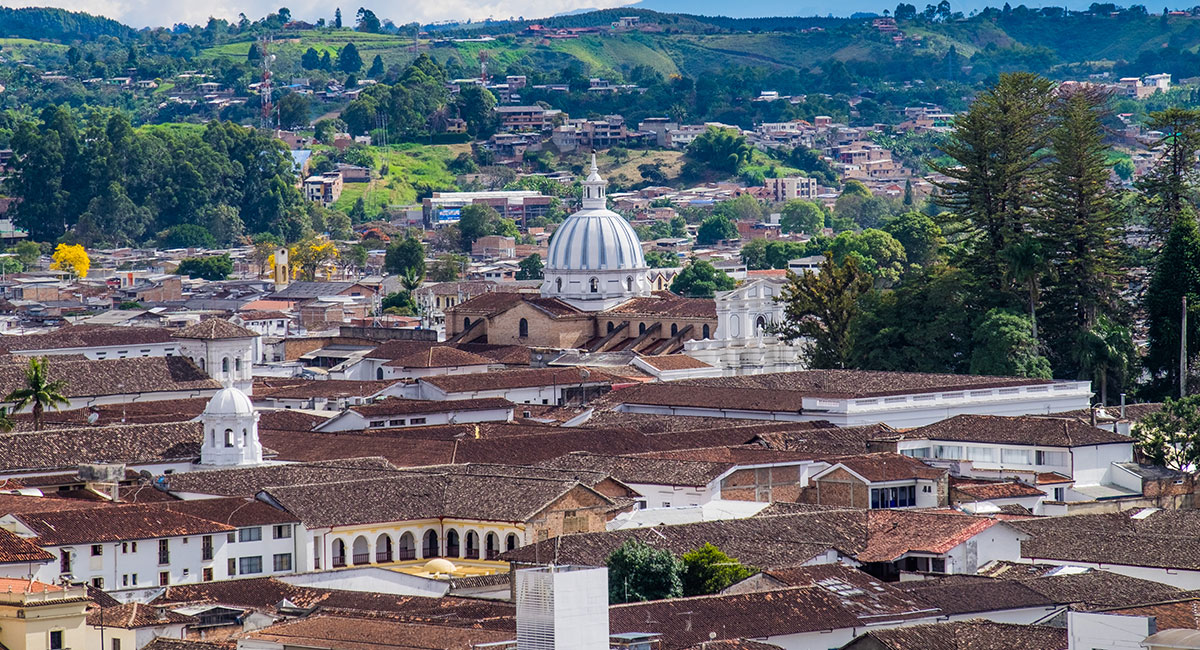 El Morro del Tulcán o Pirámide de Tucán es el principal sitio arqueológico de Popayán - Shutterstock
