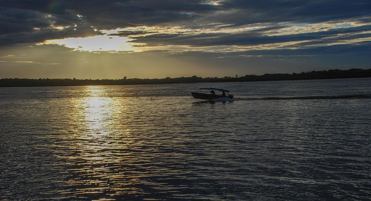 Atardecer en Puerto Carreño - ShutterStock