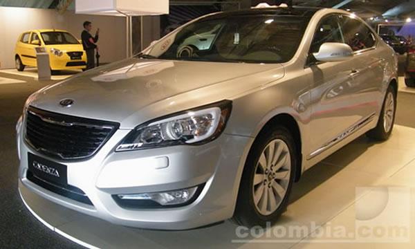 La industria automotriz colombiana, punto de discusión en Bogotá
