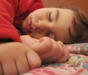 Los beneficios del buen dormir en la dieta de los niños