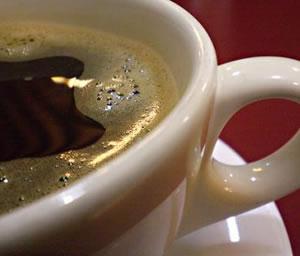 El café ayuda a las mujeres pero perjudica a los hombres