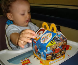 Proponen prohibir en Nueva York regalos en menús infantiles de comida rápida