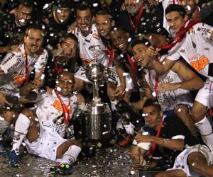 Santos de Brasil celebra su tercer título de Copa Libertadores. EFE