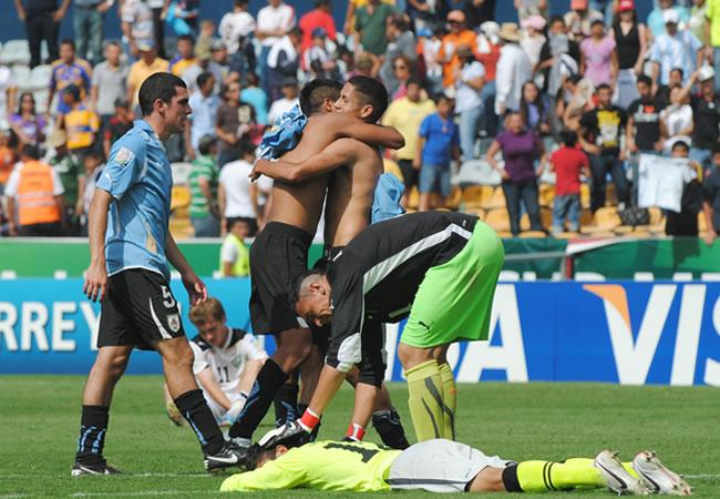 Uruguay y Brasil se enfrentan por el primer boleto de finalista del Mundial
