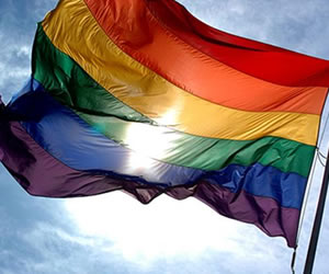Liberales y conservadores chocan por aprobación de matrimonio gay