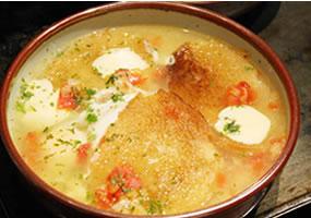 Sopa de pan en cazuela
