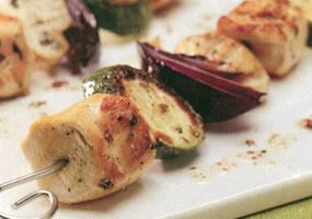 Brochetas de pollo con hierbas