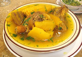 Sancocho de gallina cartagenero