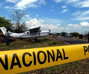 Aeronave de la Policía cae y deja cinco muertos y un herido