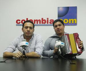 Carlos Mario Zabaleta y su acordeonero Julián Mojica visitan Colombia.com