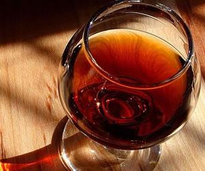 El vino para eliminar el colesterol