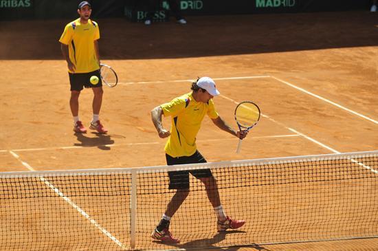 Robert Frah y Juan Sebastián Cabal en Copa Davis. Foto: EFE