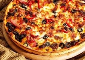 Pizza boloñesa casera