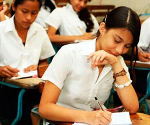 11 gobernaciones incumplen mandato de educación gratuita