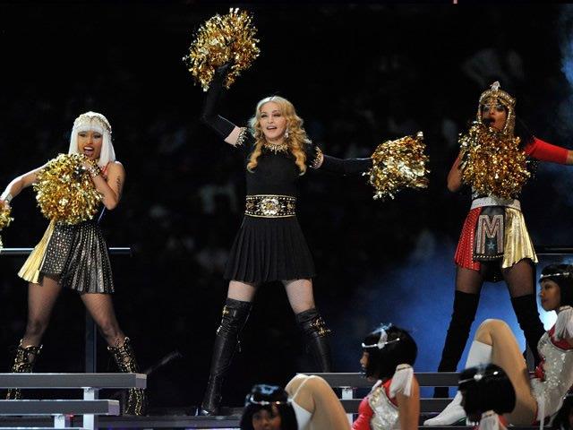 Madonna impresionó con fastuosa presentación en el Super Bowl