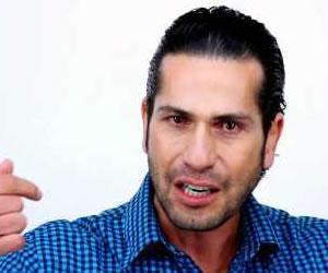 Gregorio Pernía pide perdón en medio del llanto e insiste en campaña contra Jota Mario