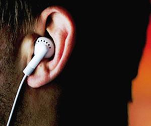 El uso de audifonos deja a los jóvenes cada vez más sordos