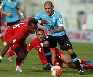 Uruguay, próximo rival de Colombia en Eliminatorias, le ganó a Perú