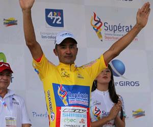 Félix Cárdenas gana y recupera el liderato en la Vuelta a Colombia