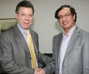"""""""Extrema derecha me desprestigia a mi y Santos"""": Petro"""