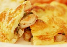 Omelette de camarones plato fuerte receta internacional for Platos fuertes franceses