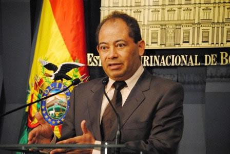 Ministro de Gobierno  no corresponde a denuncia penal