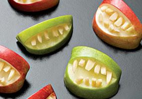 Bocas escalofriantes con manzanas