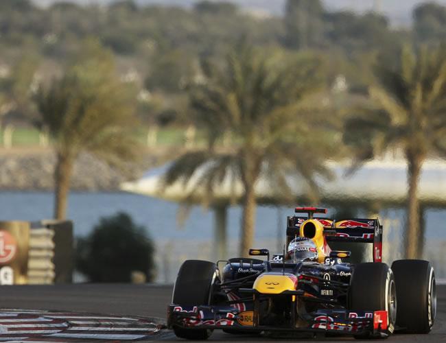 Vettel manda desde las sesiones libres en Abu Dabi