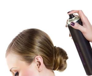 Cómo desengrasar tu cabello sin meterte a bañar