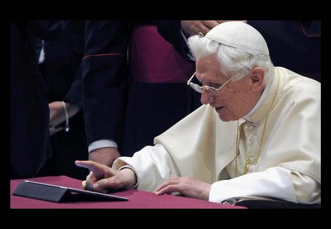 El papa divulga el Evangelio por el medio digital