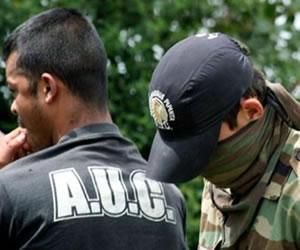 Fiscalía excluyó a 354 exparamilitares de la ley de justicia y paz