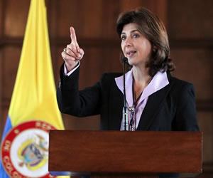 Colombia contrata firma de abogados para estudiar fallo de CIJ