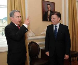 El contrapunteo en Twitter de Santos y Uribe