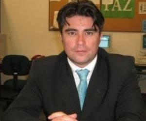 Investigan a funcionario de Petro por mal uso de Twitter