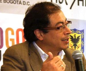 Fiscalía investigará a Gustavo Petro por basuras