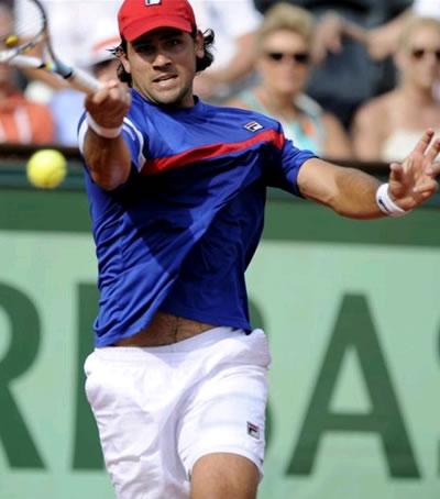 Lesión en la mano derecha saca al argentino Schwank de la Copa Davis