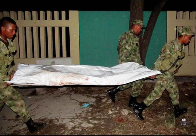 Un soldado muerto y tres heridos al caer en campo minado