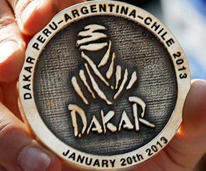 Medalla de participación en el Dakar 2013. EFE