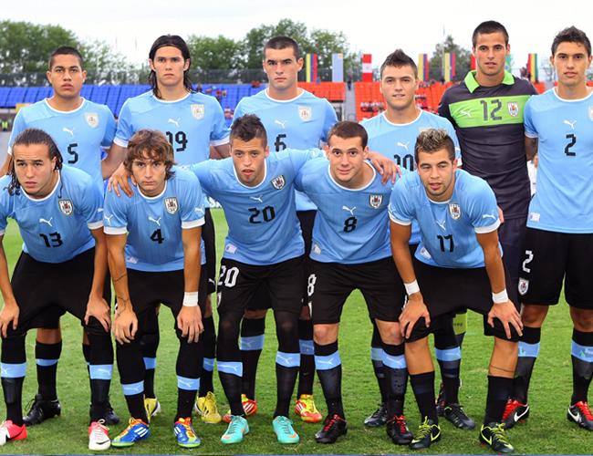Jugadores de la selección de Uruguay, posan. Foto: EFE