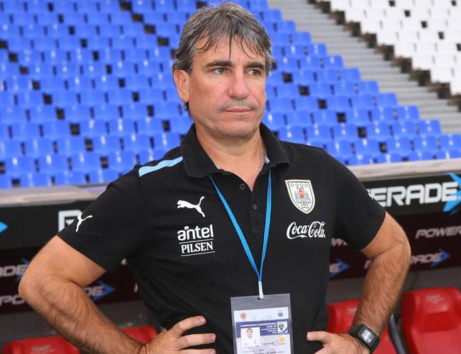 El director técnico de Uruguay, Juan José Verzeri. Foto: EFE