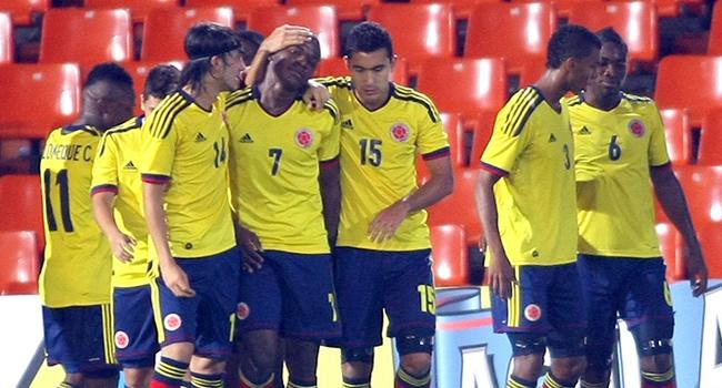 Los jugadores de Colombia celebran el gol contra Uruguay. Foto: EFE