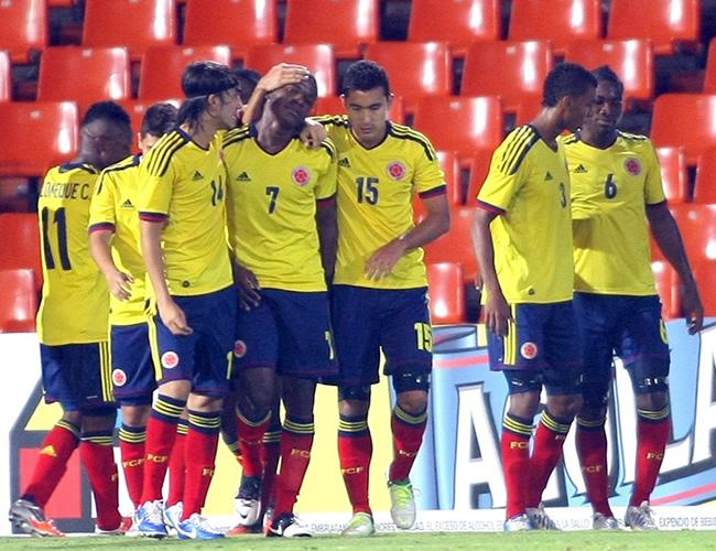 Jugadores de Colombia celebran un gol ante Uruguay. Foto: EFE