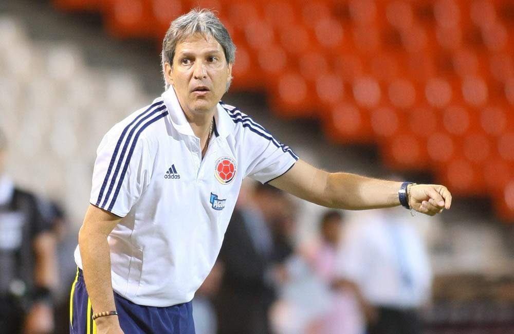 El técnico de Colombia, Carlos Restrepo. Foto: EFE